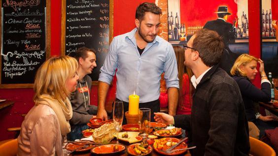 Joel, gastgeber Vagueira Tapas Bar Hamburg
